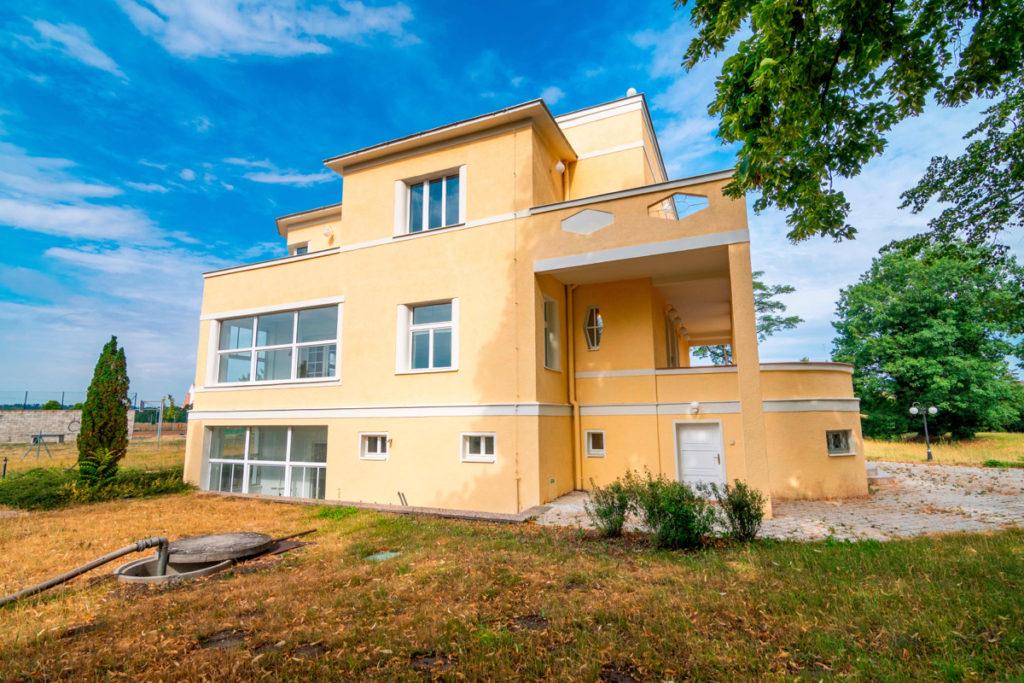 Sídlo firmy, historická vila na prodej - Michal Souček